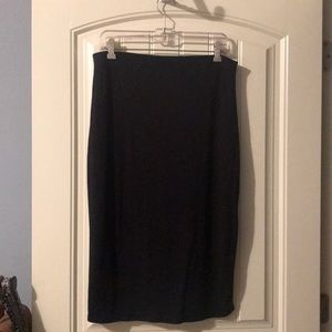 Sz L old navy blk pencil skirt. Super comfy. NWOT